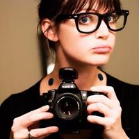 """72a98b2df9813 Usar óculos de grau, muitas vezes, é um grande desafio, principalmente para  as mulheres. A imagem de """"nerd"""" ou """"intelectual"""" dá a impressão de que o ..."""
